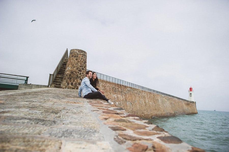 Photos de couple aux sables d'Olonne CHARLOTTE-ET-JULIEN-ENGAGEMENT-16
