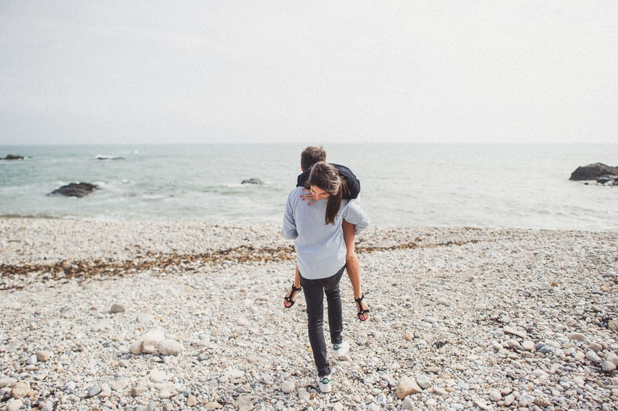 Photos de couple aux sables d'Olonne CHARLOTTE-ET-JULIEN-ENGAGEMENT-33