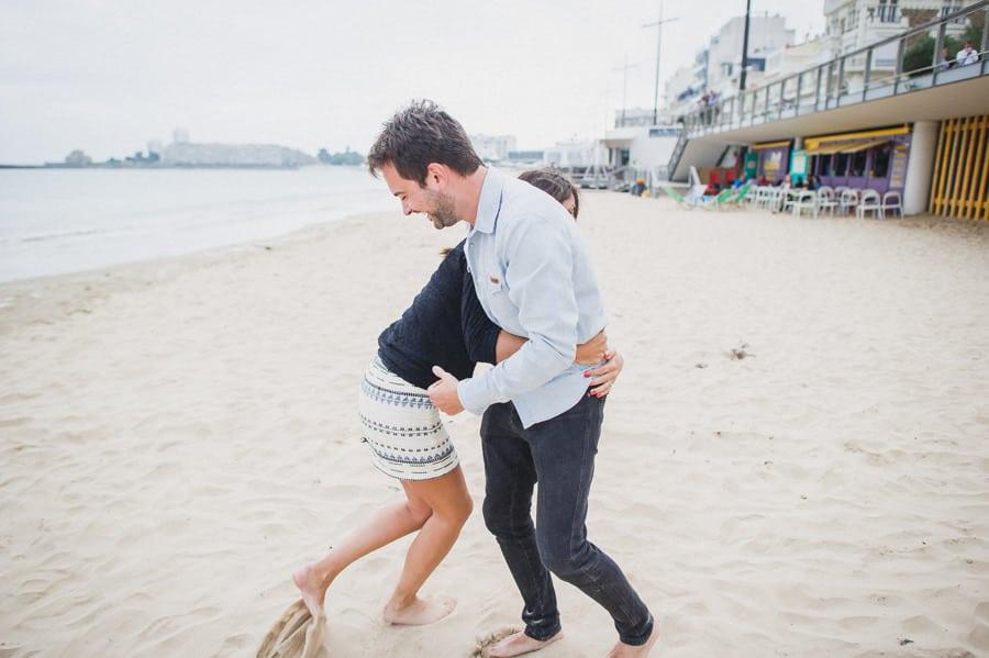 Photos de couple aux sables d'Olonne CHARLOTTE-ET-JULIEN-ENGAGEMENT-95