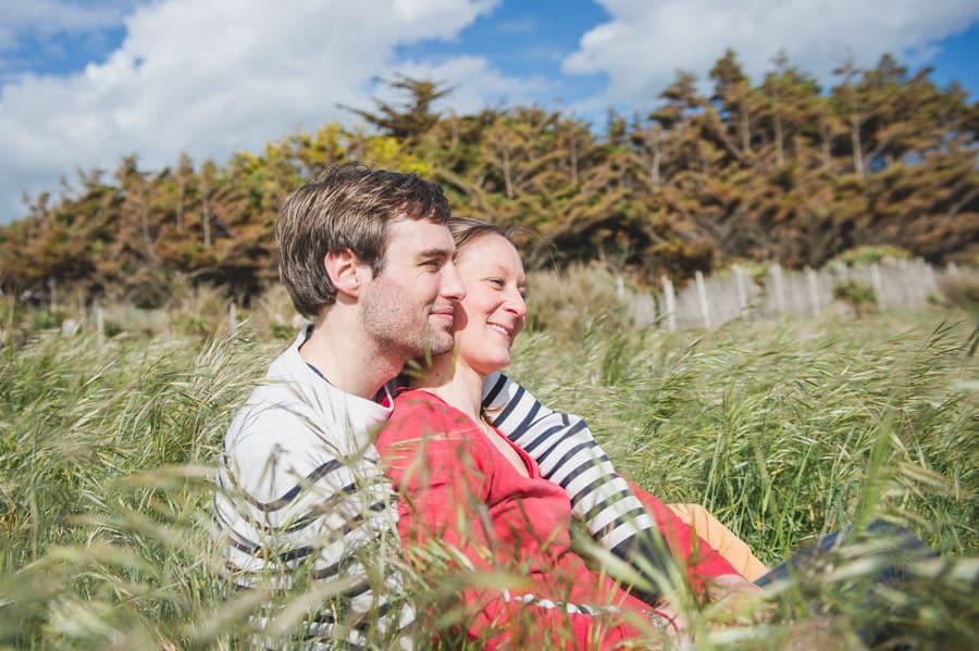 Séance couple au feu de camp sur la plage seance-couple-plage_photographe-mariage-nantes-bretagne-10