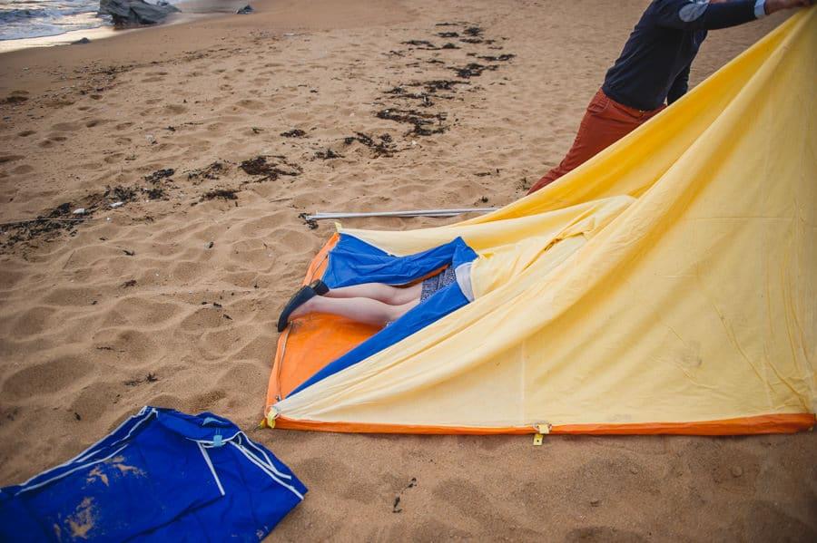 Séance couple au feu de camp sur la plage seance-couple-plage_photographe-mariage-nantes-bretagne-21