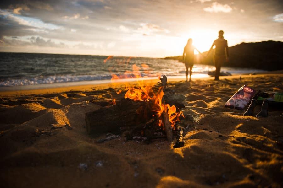Séance couple au feu de camp sur la plage seance-couple-plage_photographe-mariage-nantes-bretagne-29
