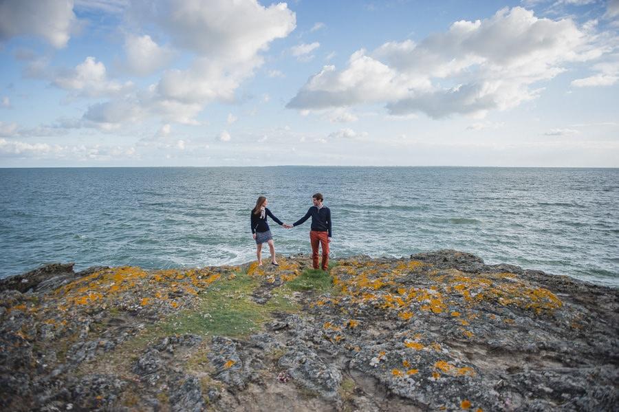 Séance couple au feu de camp sur la plage seance-couple-plage_photographe-mariage-nantes-bretagne-15