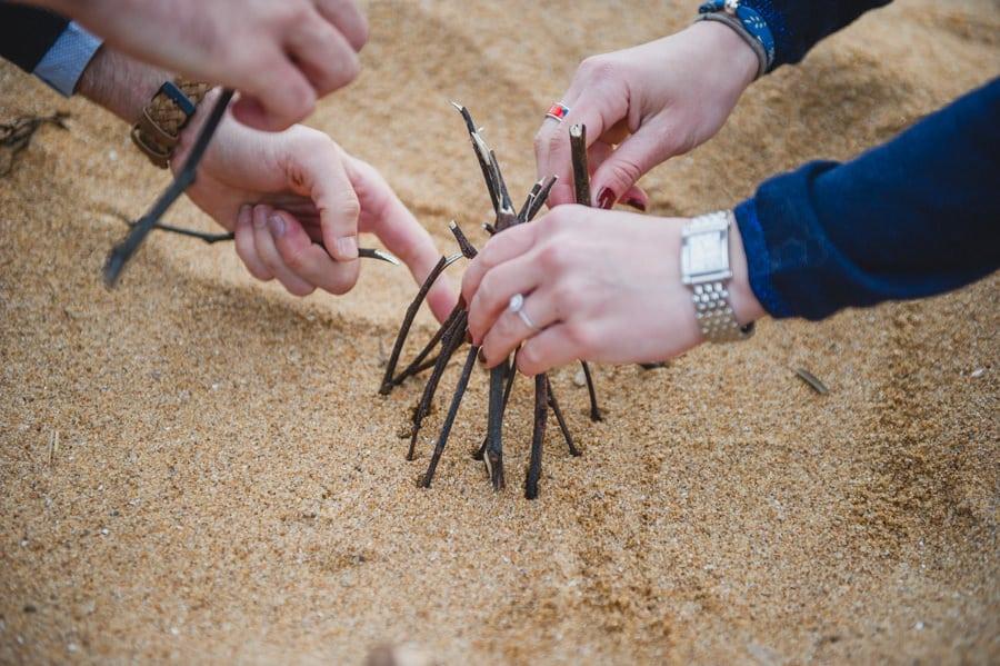 Séance couple au feu de camp sur la plage seance-couple-plage_photographe-mariage-nantes-bretagne-23