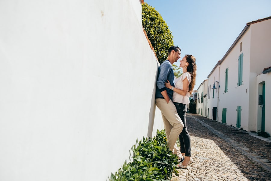 Love session on the French Island MELANIE-ET-ALEXANDRE-ENGAGEMENT-3