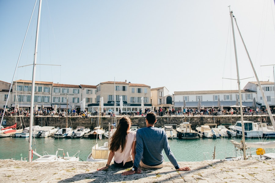 Love session on the French Island MELANIE-ET-ALEXANDRE-ENGAGEMENT-34