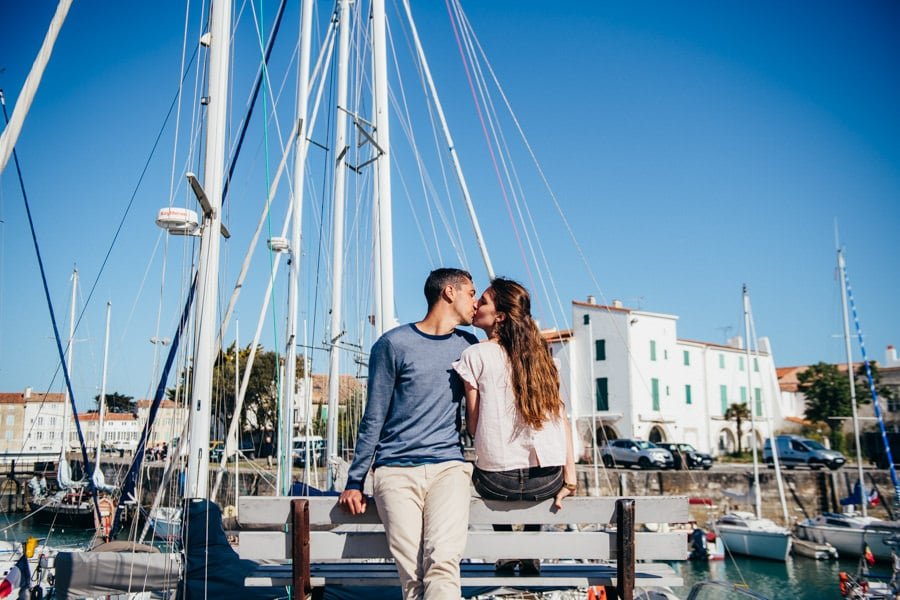 Love session on the French Island MELANIE-ET-ALEXANDRE-ENGAGEMENT-60
