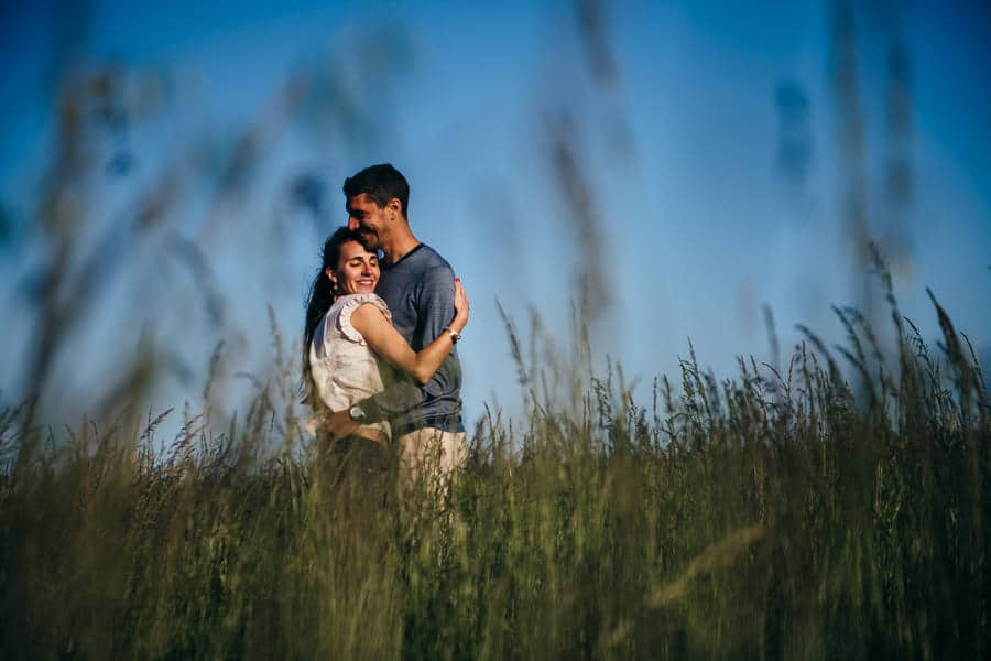 Love session on the French Island MELANIE-ET-ALEXANDRE-ENGAGEMENT-93