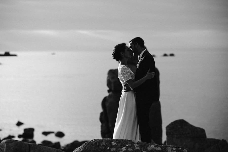 Private wedding on French coast mariage-plougrescant-bretagne-photographe-leludec-110