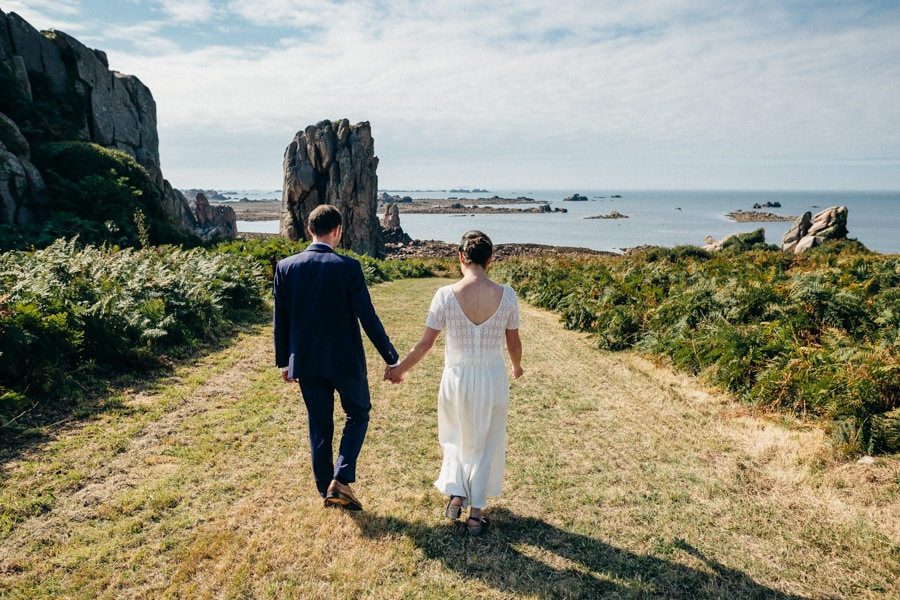 Private wedding on French coast mariage-plougrescant-bretagne-photographe-leludec-53