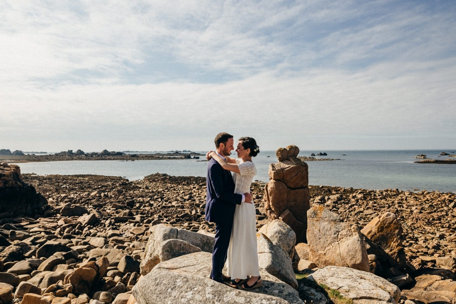 Private wedding on French coast mariage-plougrescant-bretagne-photographe-leludec-56