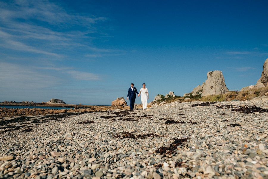 Private wedding on French coast mariage-plougrescant-bretagne-photographe-leludec-61
