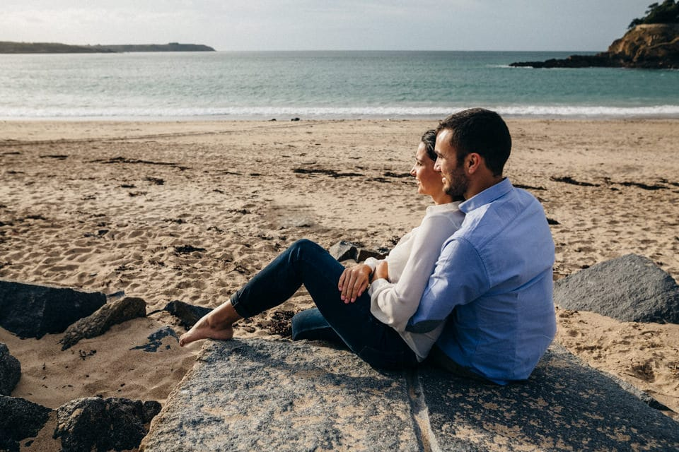 Love Session at beach photo-couple-bretagne-14