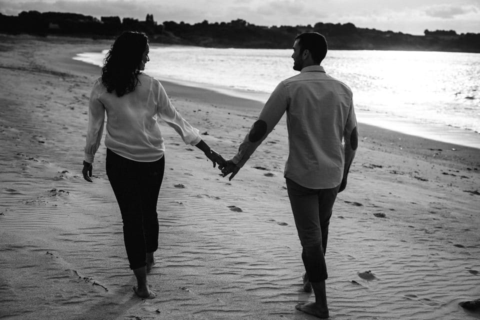Love Session at beach photo-couple-bretagne-15
